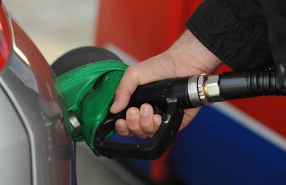 Hrvatska − LOŠE VIJESTI ZA VOZAČE Od utorka rastu cijene goriva, prijevoznici najavljuju poskupljenja