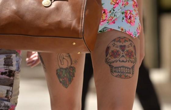 izlazi s muškim umjetnikom za tetoviranjedatiranje izvođača delta radio