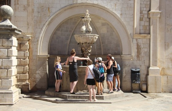 Hrvatska − UNATOČ PONEKOM PLJUSKU Vrijeme će i dalje biti ljetno